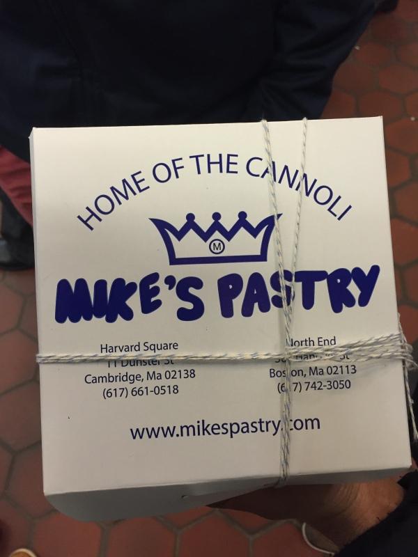 Mikes-Pastry-boston box